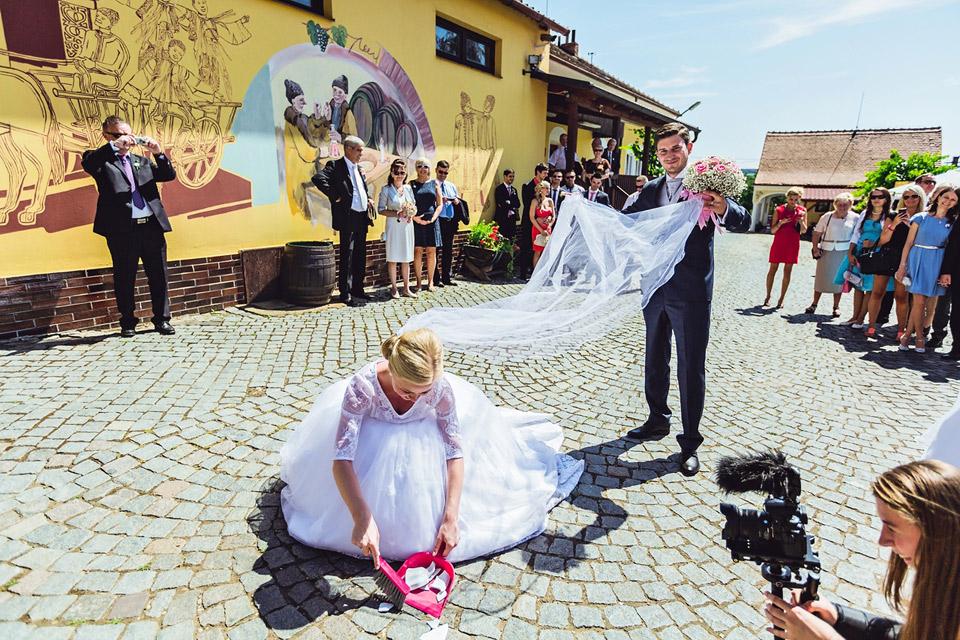 zametani-talirku-na-svatbe