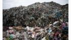 Hromada odpadků na skládce v Albánii